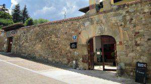 Albergue San Antón Abad, Villafranca Montes de Oca, Burgos - Camino Francés :: Albergues del Camino de Santiago