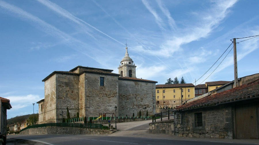 Iglesia de Santiago, Villafranca Montes de Oca, Burgos - Camino Francés :: Albergues del Camino de Santiago