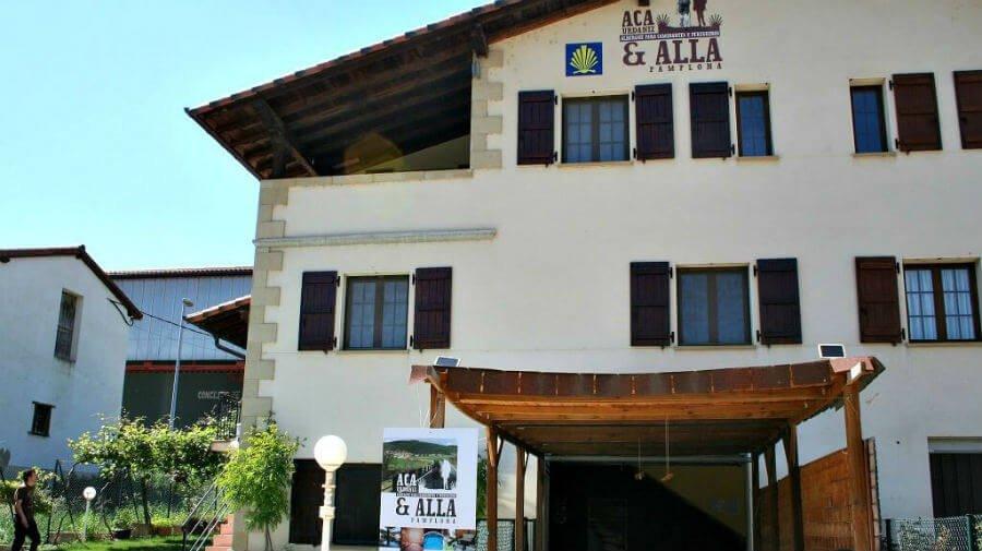 Albergue Hostel Acá y Allá, Urdániz, Navarra - Camino Francés :: Albergues del Camino de Santiago