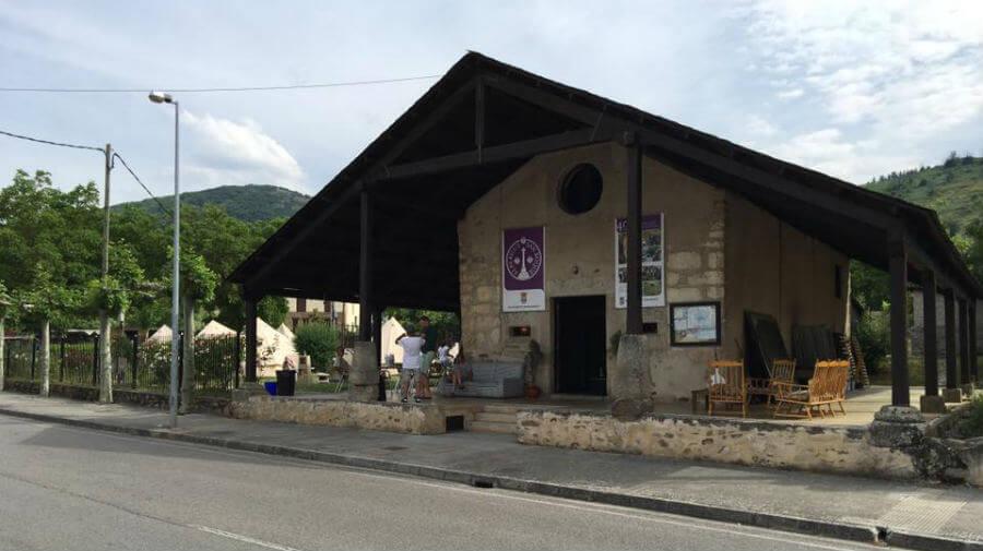 Albergue de peregrinos municipal San Roque, Molinaseca, León - Camino Francés :: Albergues del Camino de Santiago