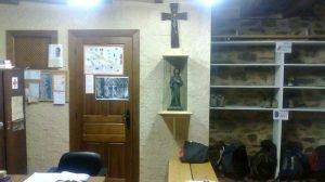 Albergue de peregrinos parroquial Apóstol Santiago, El Acebo, León - Camino Francés :: Albergues del Camino de Santiago