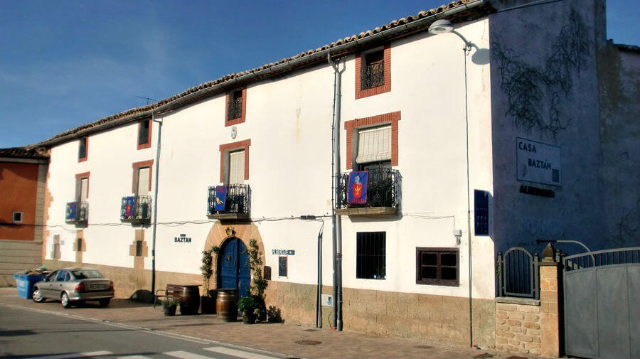 Albergue Casa Baztán, Uterga, Navarra - Camino Francés :: Albergues del Camino de Santiago
