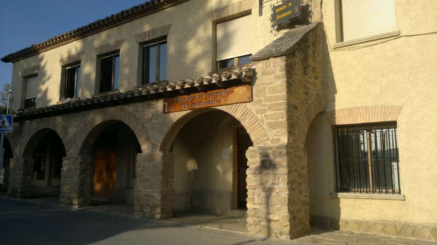 Albergue de peregrinos de los Padres Reparadores, Puente la Reina, Navarra - Camino Francés :: Albergues del Camino de Santiago