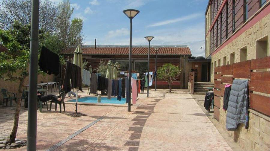 Albergue de peregrinos municipal de Azofra, La Rioja - Camino Francés :: Albergues del Camino de Santiago