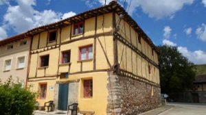 Albergue de peregrinos parroquial San Francisco de Asís, Tosantos, Burgos - Camino Francés :: Albergues del Camino de Santiago