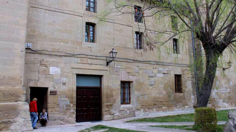 Hospital de peregrinos San Juan Bautista, Grañón, La Rioja - Camino Francés :: Albergues del Camino de Santiago