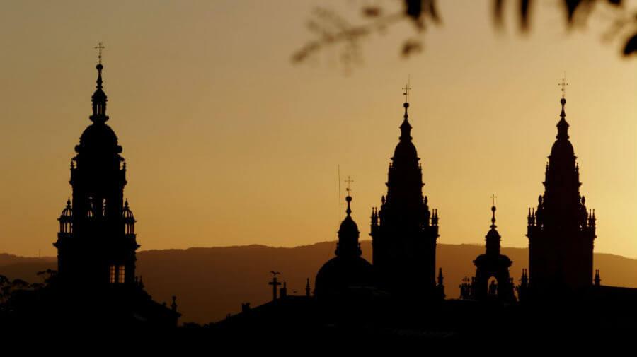 Torres de la Catedral de Santiago de Compostela (Foto: Turismo de Santiago) :: Guía del Camino de Santiago