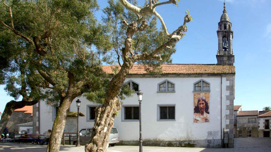 Iglesia de Santiago, Arzúa, La Coruña, Camino Francés :: Albergues del Camino de Santiago