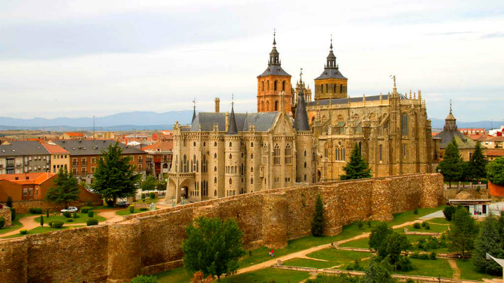 Astorga, León, Camino Francés :: Albergues del Camino de Santiago