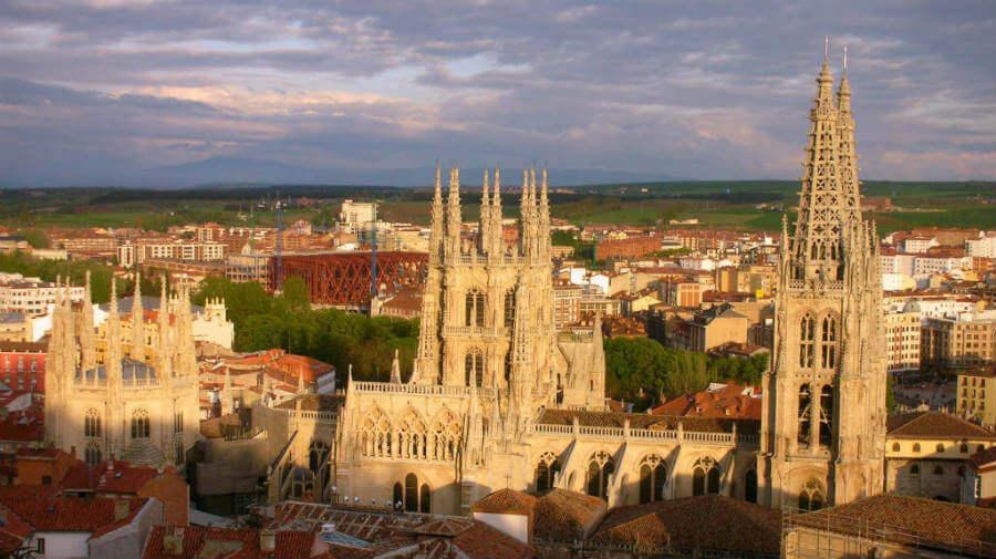 Vista de la Catedral de Burgos - Camino Francés :: Guía del Camino de Santiago