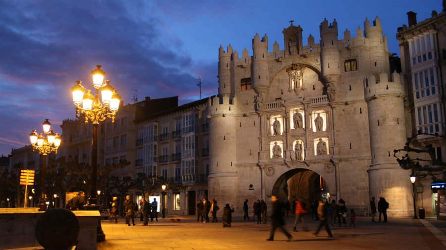 Arco de Santa María, Burgos, Camino Francés :: Albergues del Camino de Santiago