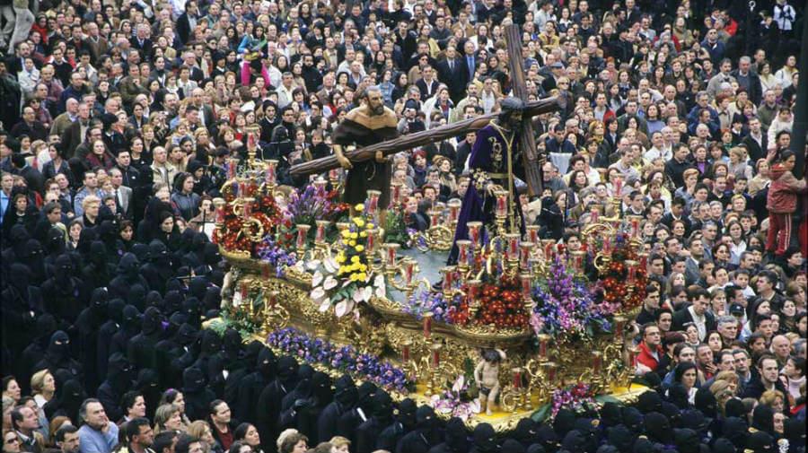 Procesión de Semana Santa en León, Camino Francés :: Albergues del Camino de Santiago