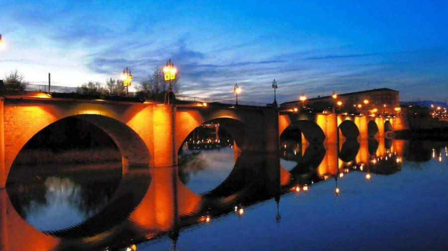 Puente sobre el río Ebro en Logroño, La Rioja, Camino Francés :: Albergues del Camino de Santiago