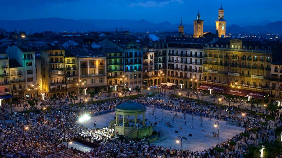 Plaza del Castillo, Pamplona, Navarra, Camino Francés :: Guía del Camino de Santiago