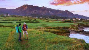 Peregrinos en el Camino de Norte a su paso por Asturias :: Albergues del Camino de Santiago