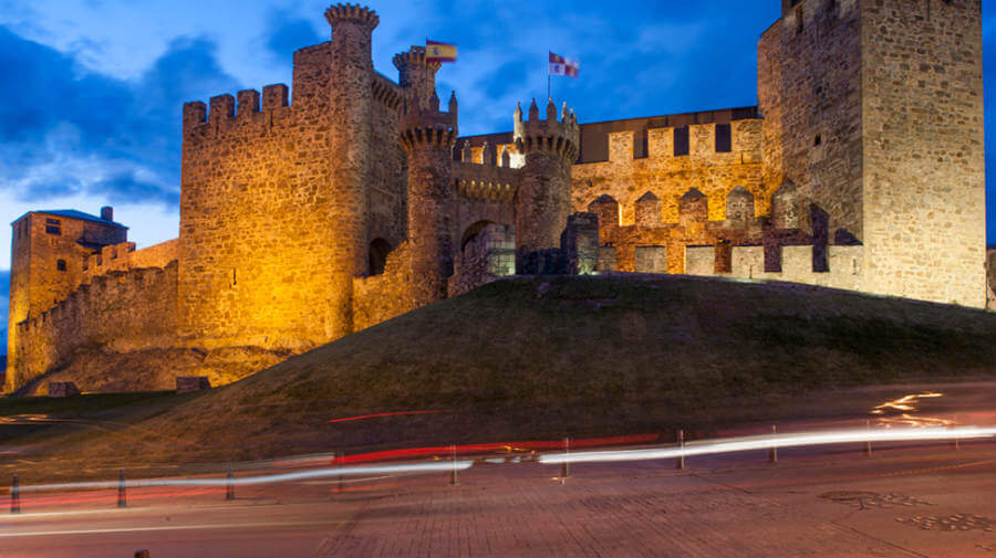 Castillo templario, Ponferrada, León :: Albergues del Camino de Santiago