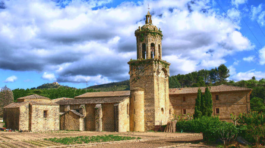 Iglesia del Crucifijo, Puente la Reina, Navarra - Camino Francés :: Guía del Camino de Santiago