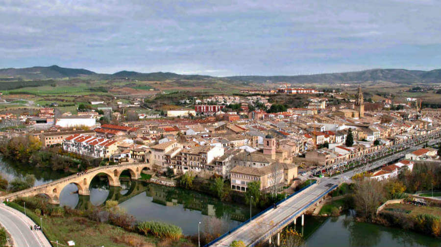 Puente la Reina, Navarra, Camino Francés :: Albergues del Camino de Santiago