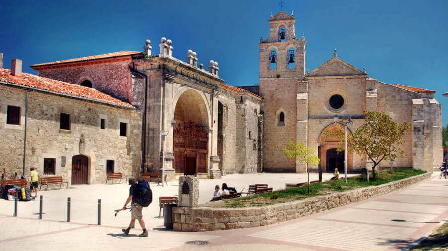 San Juan de Ortega, Burgos, Camino Francés :: Albergues del Camino de Santiago