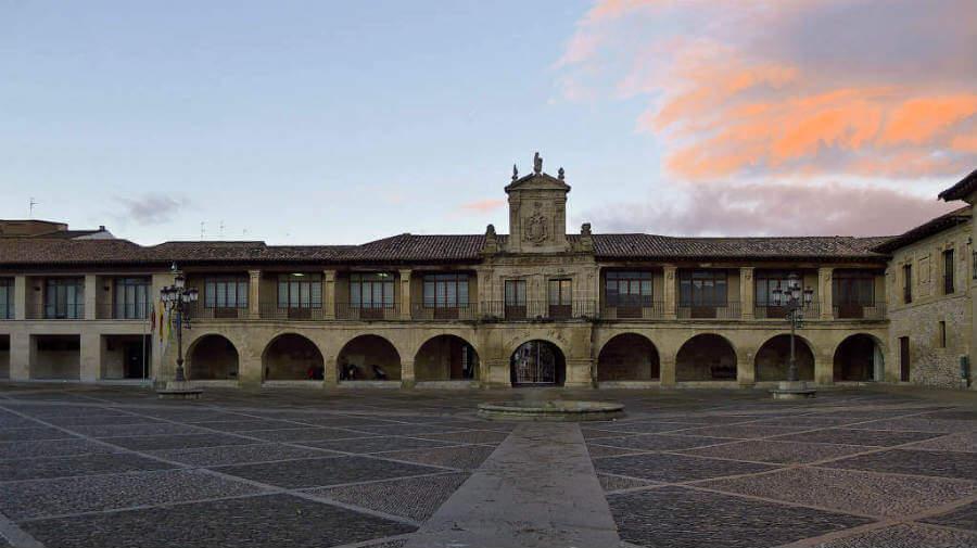 Santo Domingo de la Calzada, La Rioja, Camino Francés :: Albergues del Camino de Santiago