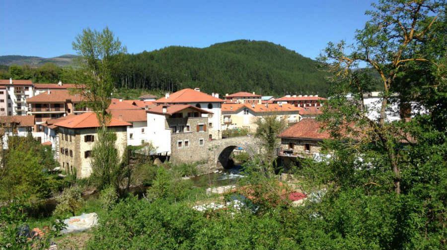 Vista de Zubiri, Navarra - Camino Francés :: Guía del Camino de Santiago