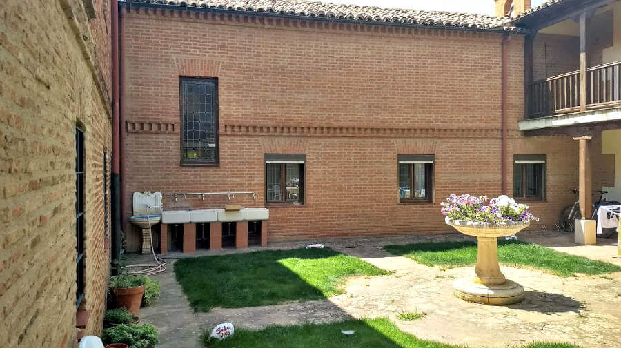 Albergue de peregrinos de las MM. Benedictinas, Sahagún, León - Camino Francés :: Albergues del Camino de Santiago