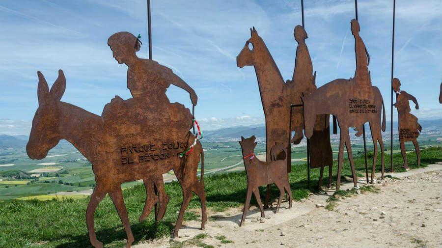 Alto del Perdón, Navarra, Camino Francés :: albergues del Camino de Santiago
