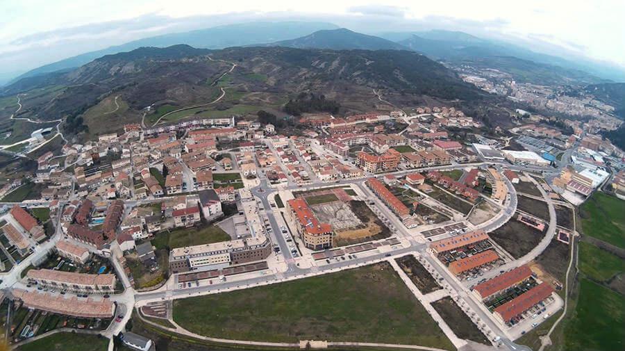 Vista aérea de Ayegui, Navarra - Camino Francés :: Guía del Camino de Santiago