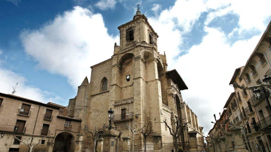 Iglesia de Santa María, Viana, Navarra - Camino Francés (Etapa de Los Arcos a Logroño) :: Albergues del Camino de Santiago