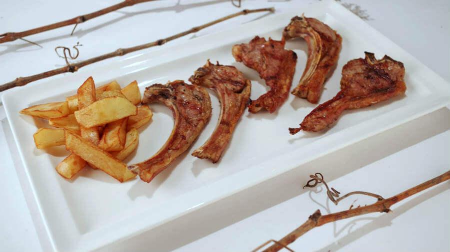 Chuletillas de cordero al sarmiento - Gastronomía del Camino Francés :: Guía del Camino de Santiago