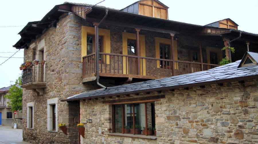 Fuentesnuevas, León - Camino Francés (Etapa de Ponferrada a Villafranca del Bierzo) :: Albergues del Camino de Santiago