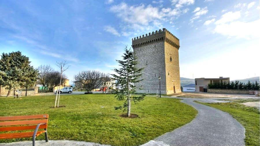 Torre palaciana de Olcoz, Navarra - Camino Aragonés :: Guía del Camino de Santiago