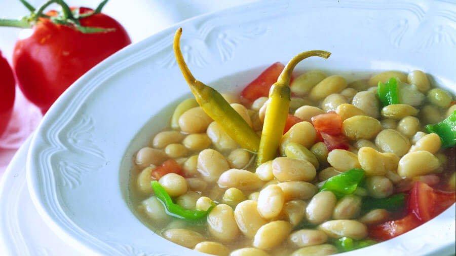 Pochas, plato típico de la gastronomía de Navarra - Gastronomía en el Camino Francés :: Guía del Camino de Santiago