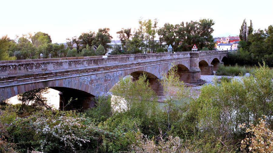 Puente la Reina de Jaca - Camino Aragonés :: Guía del Camino de Santiago