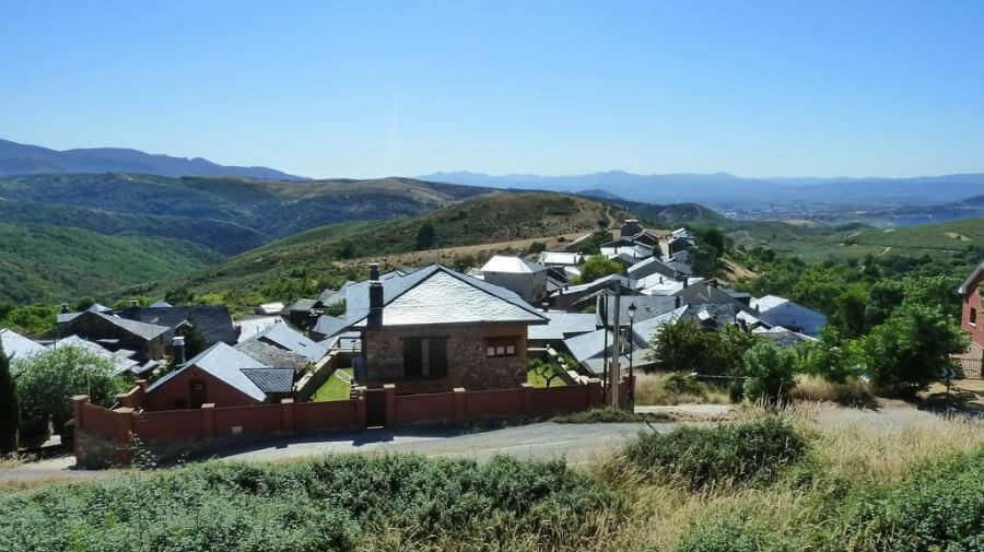 Riego de Ambrós, León - Camino Francés (Etapa de Rabanal del Camino a Ponferrada) :: Guía del Camino de Santiago