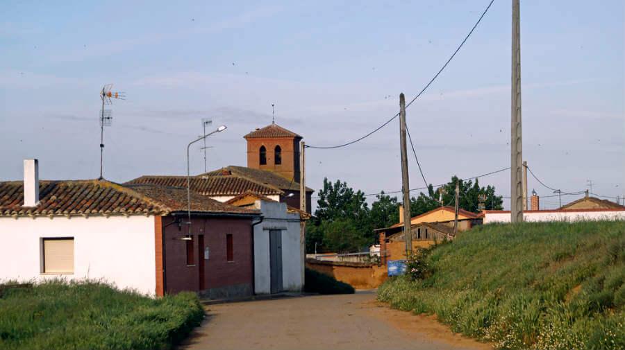 Terradillos de los Templarios, Palencia - Camino Francés (Etapa de Ledigos a Sahagún) :: Guía del Camino de Santiago