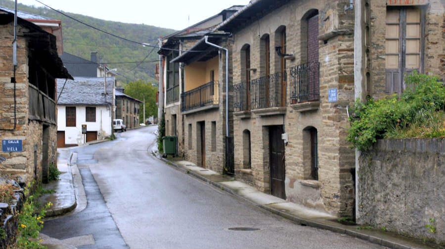 Trabadelo, León - Camino Francés (Etapa de Villafranca del Bierzo a O Cebreiro) :: Guía del Camino de Santiago