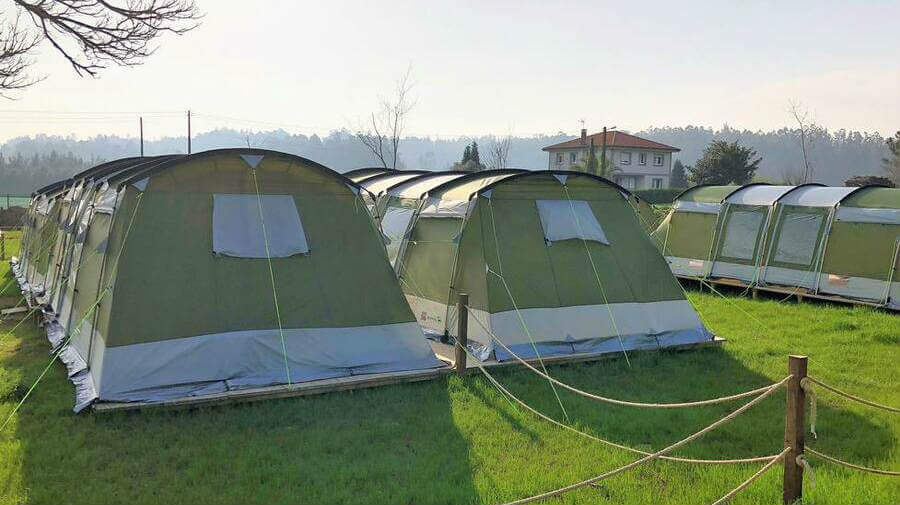 Albergue Camping Peregrino O Castiñeiro, A Rúa, La Coruña - Camino Francés :: Albergues del Camino de Santiago