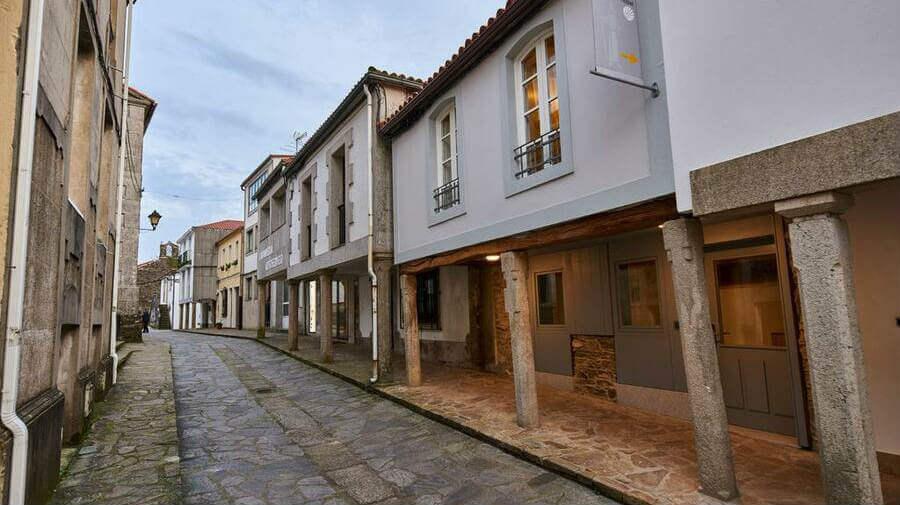 Albergue San Francisco, Arzúa, La Coruña - Camino Francés :: Albergues del Camino de Santiago
