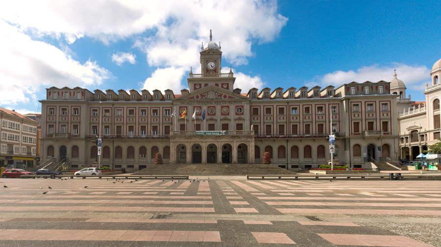 Plaza y edificio del Ayuntamiento de Ferrol - Camino Inglés :: Guía del Camino de Santiago