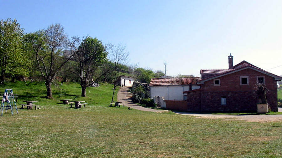 El Escamplero, Asturias - Camino Primitivo :: Guía del Camino de Santiago