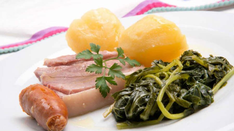 Lacón con grelos :: Gastronomía del Camino de Santiago
