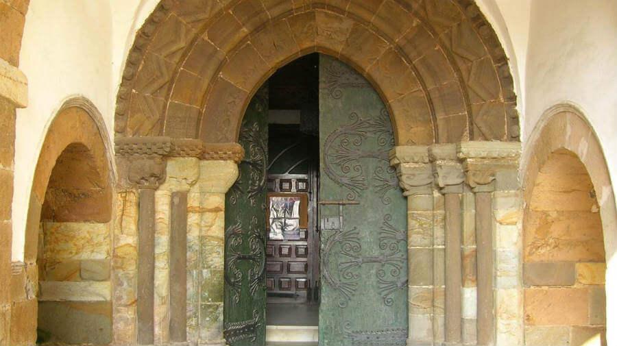 Iglesia de San Pedro, Tineo, Asturias - Camino Primitivo :: Guía del Camino de Santiago