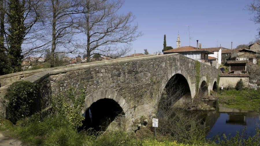 Puente sobre el río Furelos, Furelos, La Coruña - Camino Francés :: Guía del Camino de Santiago