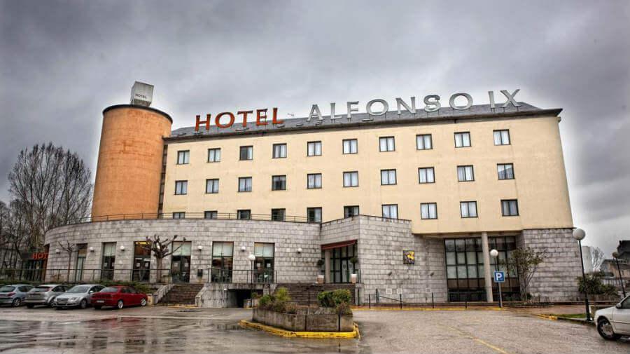 Hotel Alfonso IX, Sarria - Camino Francés :: Alojamientos del Camino de Santiago