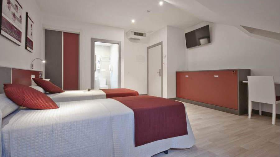 Hotel Ferramenteiro, Portomarín, Lugo - Camino Francés :: Alojamientos del Camino de Santiago