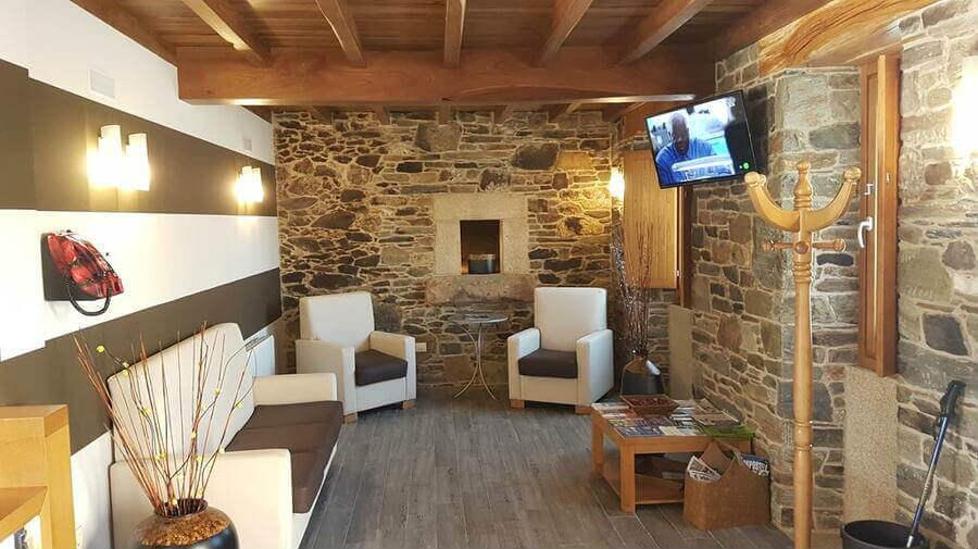 Hostal Ribadiso, Ribadiso da Baixo, La Coruña - Camino Francés :: Alojamientos del Camino de Santiago