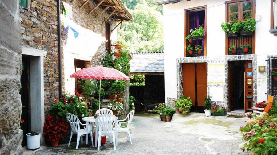 Pensión Santa Rosa, Samos, Lugo - Camino Francés :: Alojamientos del Camino de Santiago