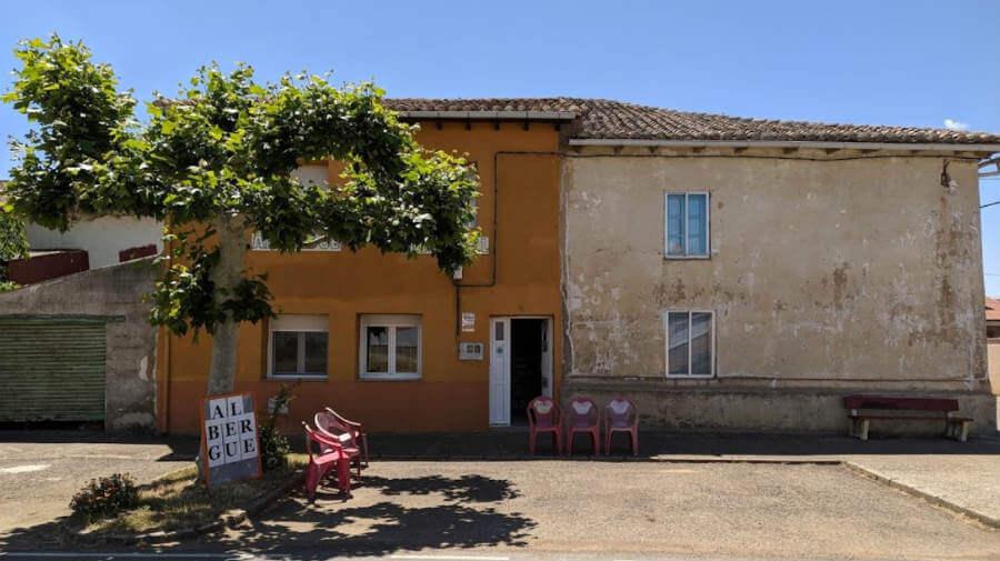 Hospedería Jacobea El Nogal, El Burgo Ranero, León - Camino Francés :: Albergues del Camino de Santiago