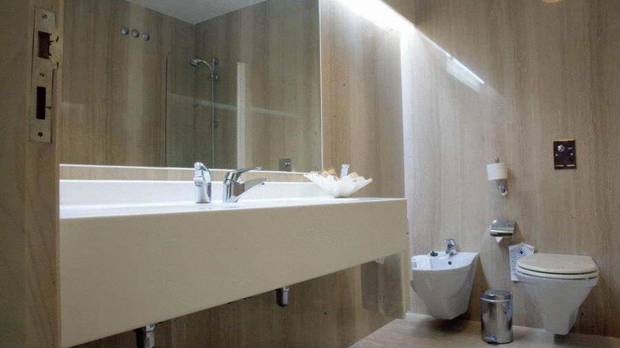 Hotel Ruta Jacobea, Lavacolla, La Coruña - Camino Francés :: Alojamientos del Camino de Santiago